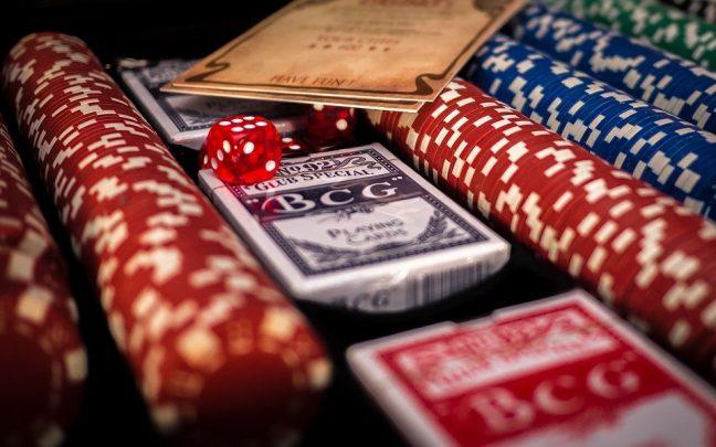 poker 1264076 960 720 648x405 - Online-kasinoarvostelut: voivat viedä sinut parhaisiin kasinoihin
